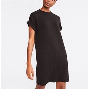 Lou & Grey signature Soft T shirt dress w/pockets!